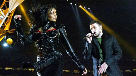 Janet Jackson Justin Timberlake Wardrobe by Worse Than A Wardrobe America S Misdirected