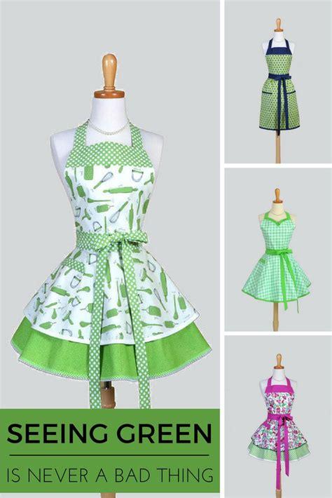 sewing vintage apron 877 best crafts aprons images on pinterest aprons