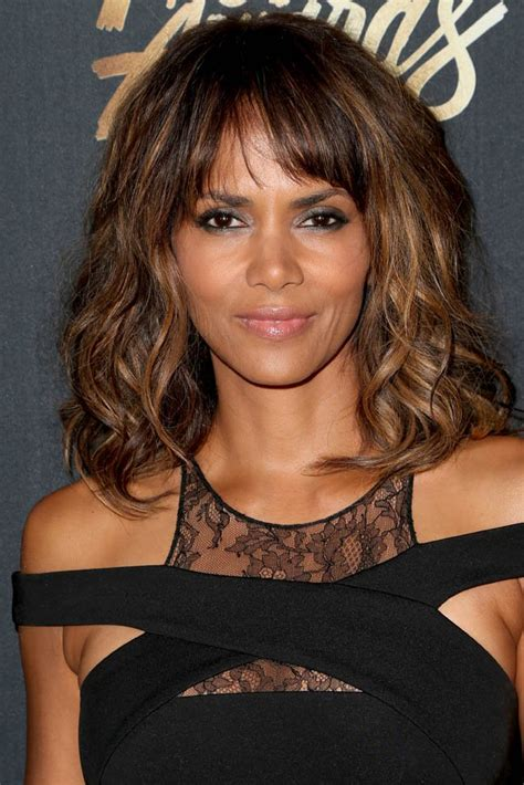 halle berry s sheer waist at mtv movie awards lainey
