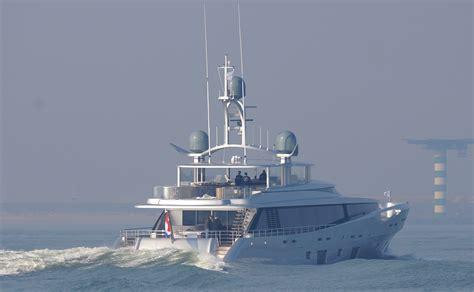 feadship como como superyacht by feadship photo by kees torn yacht