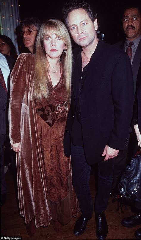 gold dust the biography of stevie nicks books stevie nicks bio details abusive affair with buckingham
