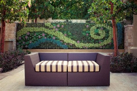 Backyard Wall Ideas by How To Beautify Your House Outdoor Wall D 233 Cor Ideas
