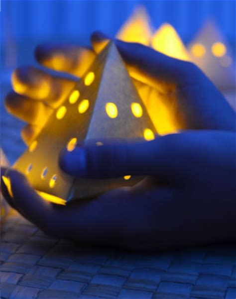 How To Make A Paper Lantern Light - diy creative paper lanterns to make with your