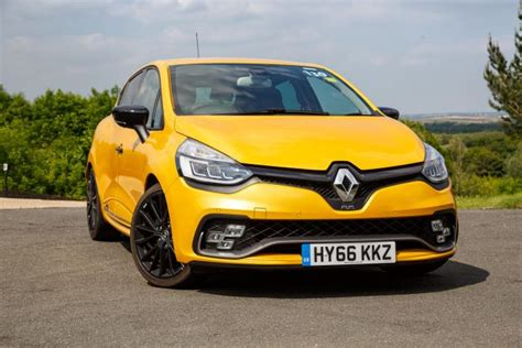 renault clio sport 2017 2017 renault clio rs 220 trophy edc review
