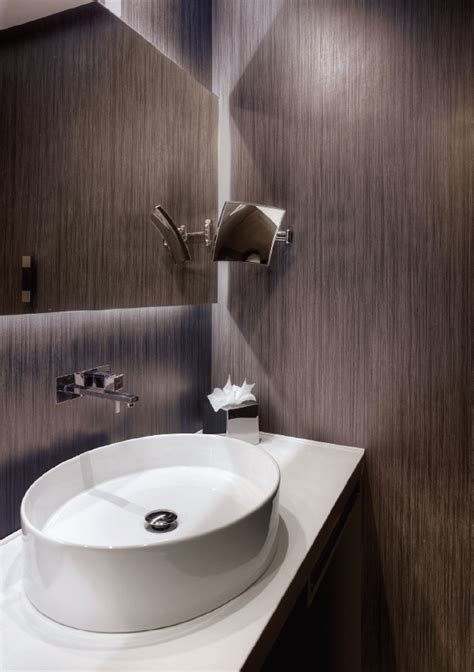 Reduced thickness porcelain tile system by LATICRETE