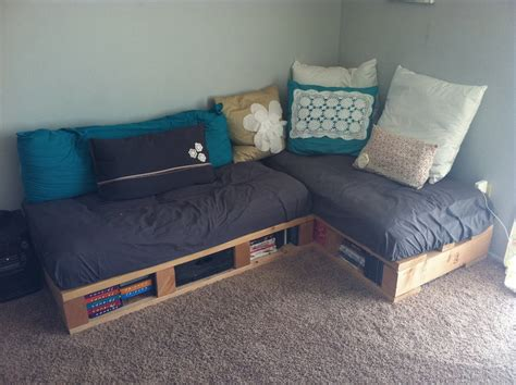 Pallet Sofa Bed by A Pretty Day Quot Pallet Quot