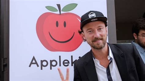 si鑒e social apple applekiss il nuovo social italiano stay