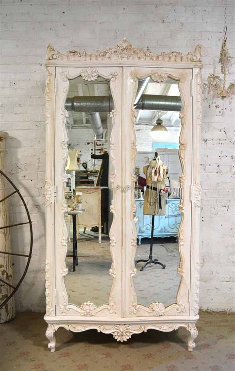 cottage shabby chic furniture 25 best ideas about vintage mirrors on