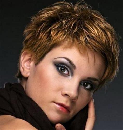 taglio di capelli corti donna 2014