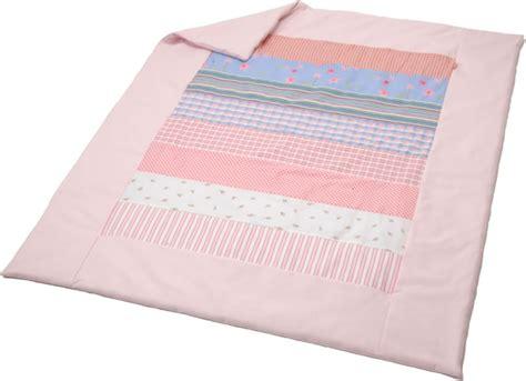decke mit ärmeln rosa k 228 the kruse patchwork decke blumen rosa 55303 bei papiton