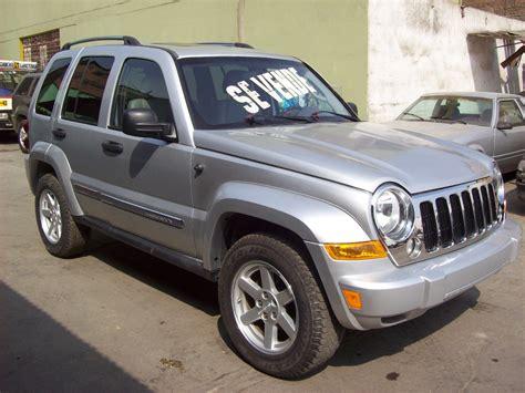jeep commander vs liberty 100 jeep commander vs liberty 2006 jeep commander