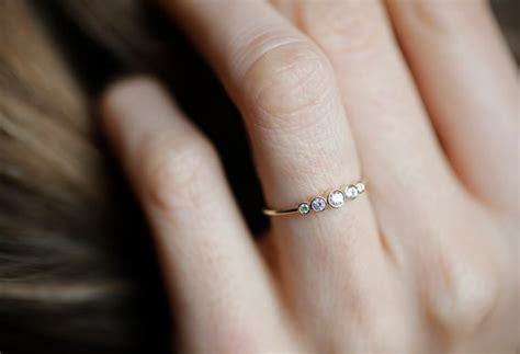 Berlian 0 455 Ct 30 impossibly delicate engagement rings that are utter