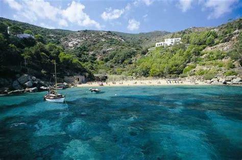 isola giglio isola giglio come organizzare una vacanza low cost