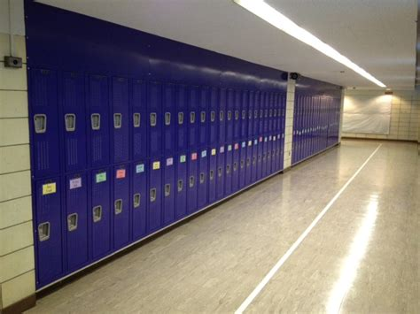 hunt locker college cus schools new student lockers