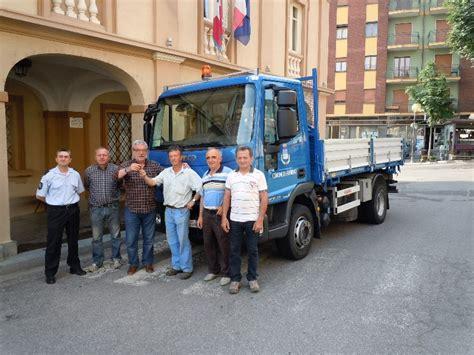 ufficio anagrafe moncalieri nuovo autocarro per il comune