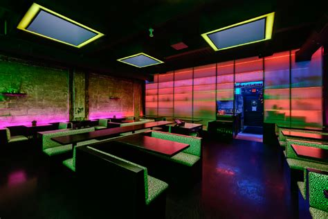 detroit eatery undecorated mimics bangkoks bright lights