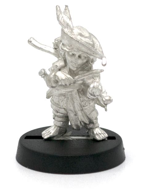 halfling bard miniature figure for 28mm table top wargames