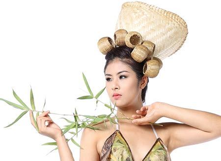 miss vietnam ngoc han performs in bamboo made clothes