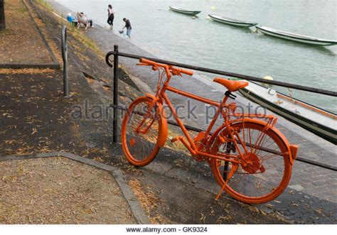 Rostiges Fahrrad Lackieren by Style Black Bike Bicycle Stockfotos Style Black