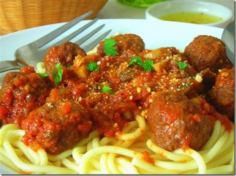 comment cuisiner des boulettes de viande spaghettis aux boulettes de boeuf chignons le