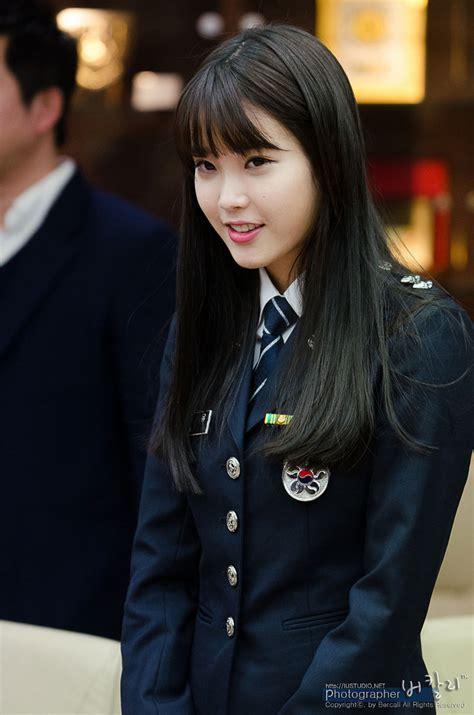 biography of iu korean singer cute police officer iu