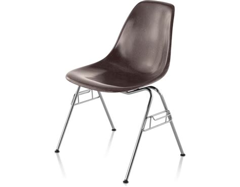Eames Molded Fiberglass Chair by Eames 174 Molded Fiberglass Side Chair With Stacking Base Hivemodern