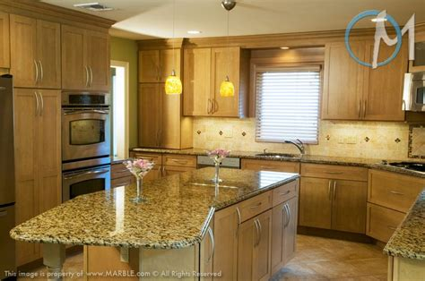 paint colors with giallo veneziano granite countertops and oak cabinets search for