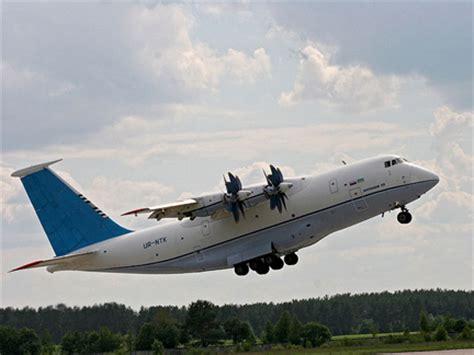 rfi moscou et kiev vont relancer l avion cargo antonov 7o