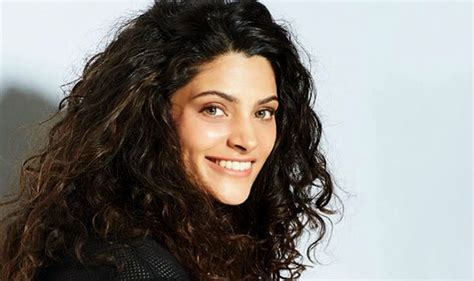 tamil actress curly short hairstyles here s how mirzya actress saiyami kher takes care of her