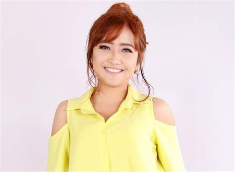 Vcd Desy Ning Nong Goyang Gemufamire quot tercyduk quot populer di media sosial hingga diangkat jadi lagu uzone
