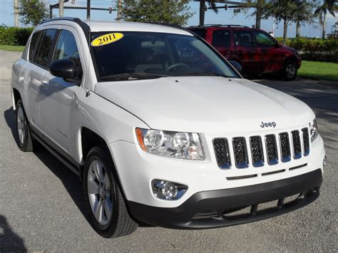 jeep commander vs patriot jeep compass vs patriot 100 jeep compass white scoop jeep