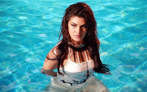 wallpaper 4k hot jacqueline fernandez hot 4k uhd widescreen wallpaper hd