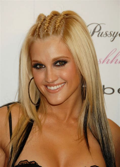 ashley roberts horror fanon wiki wikia