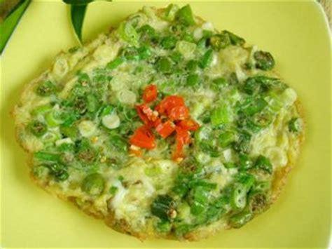 cara membuat omelet ala anak kos resep cara membuat omelet telur cabai hijau gurih resep