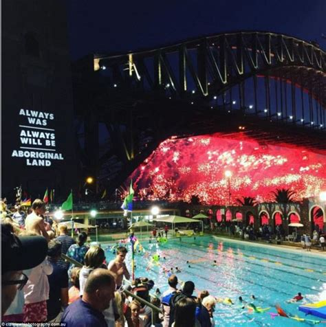 new year parade sydney 2015 sydney harbour s new year 2016 celebration explodes with