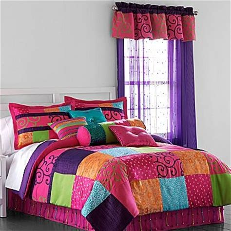 seventeen comforter set seventeen 174 samantha comforter set my new room look