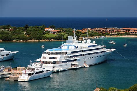 monroe swan boats top 10 the best luxury yachts in the world