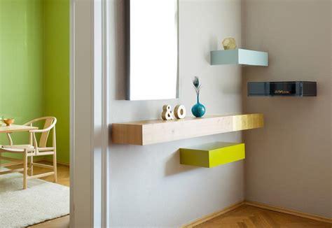 mensole moderne design sfruttare le pareti con mensole di design scaffali in