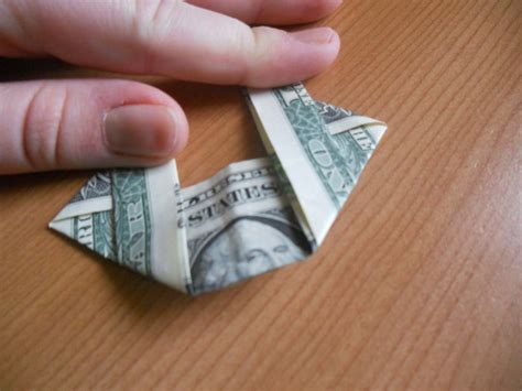 Money Origami Wreath - learn how to make a money origami wreath