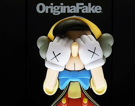 original fake kaws pinocchio  jimmy cricket toys