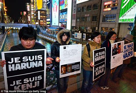 Japan confiscates passport of photographer yuichi sugimoto who planned