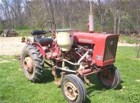 Used Farm Tractors For Sale 1975 Farmall 140 5 Implements