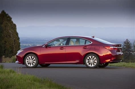 2015 Lexus Es 300h by 2015 Lexus Es 300h Hybrid Gets New Infotainment Features