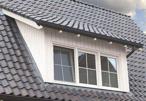 dachgesims holz gaubenverkleidung in holz optik aus kunststoff