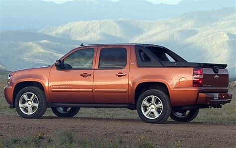 uac 174 chevy avalanche 2003 2004 a c compressor used 2007 chevrolet avalanche pricing for sale edmunds