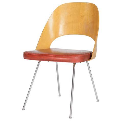 Knoll Saarinen Executive Side Chair all original eero saarinen knoll executive side chair moulded plywood at 1stdibs