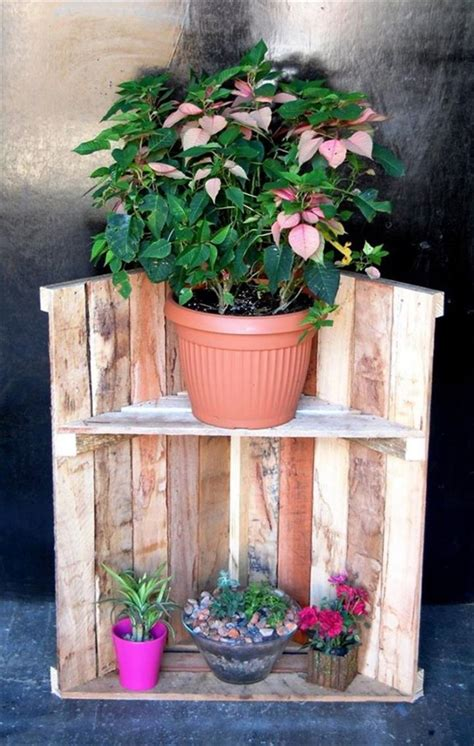 Rustic Planters Made Out Of Reclaimed Pallets Pallet Diy Outdoor Planters