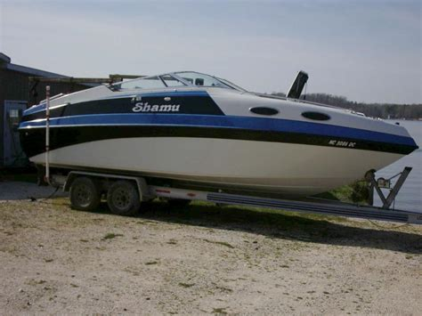cabin cruisers for sale 1995 genesis 2502 cabin cruiser powerboat for sale in