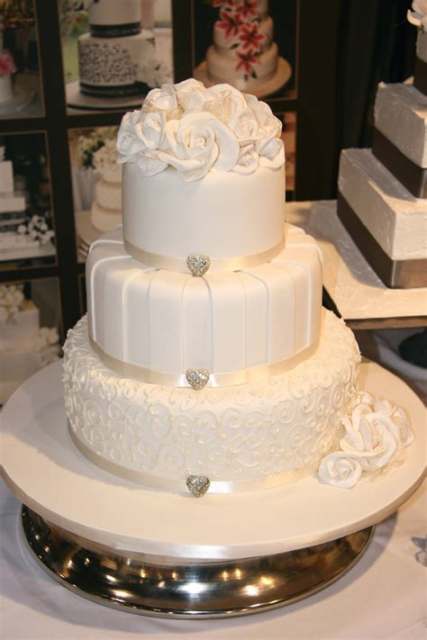 Budget Wedding Cakes by Budget Wedding Cakes Melbourne Cake Decotions