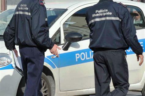 ufficio vigili urbani catanzaro lido servizi notturni interventi polizia locale